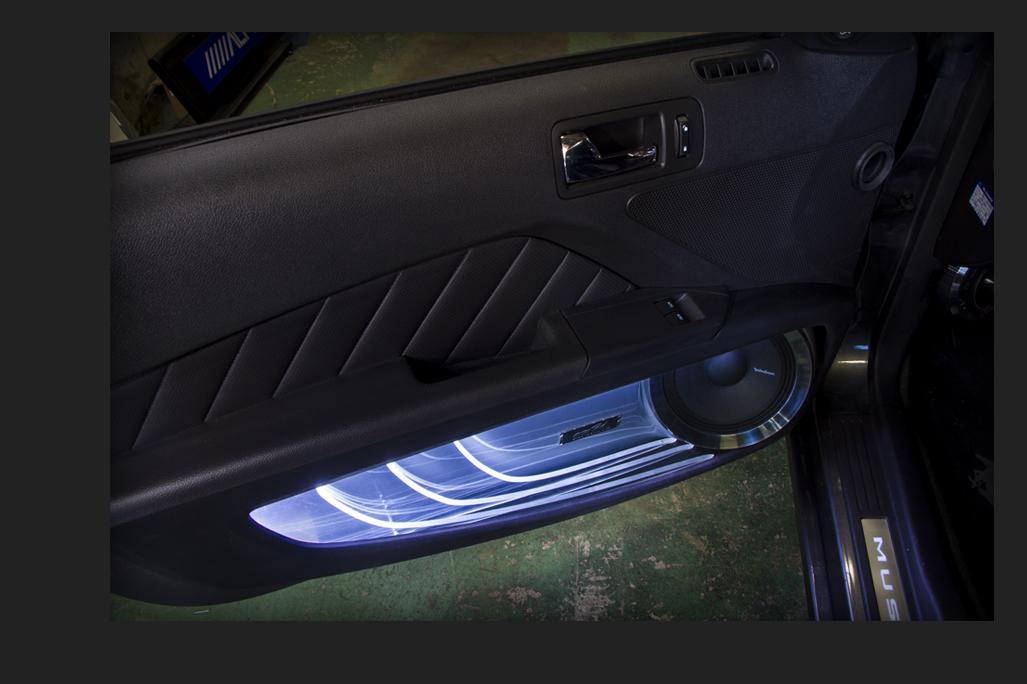 カスタム カー オーディオ オンユーファクトリー フォード マスタング Ford MUSTANG フロントドアスピーカー:ミッドレンジ:Rockford Fosgateロックフォード PM-180