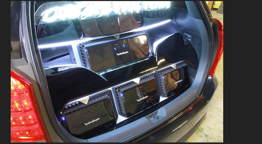 カスタム カー オーディオ オンユーファクトリー トヨタWISH アンプ LED ネオン管