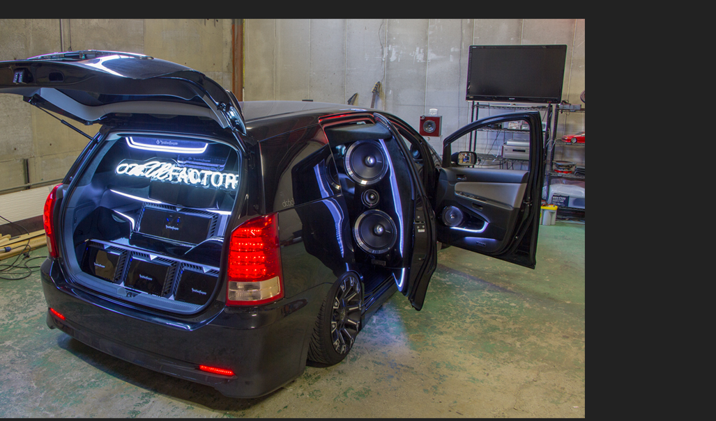 カスタム カー オーディオ オンユーファクトリー トヨタWISH ラゲッジ アンプ:Rockford fosgate ロックフォード T2500-1bdcp T400-2 T600-2