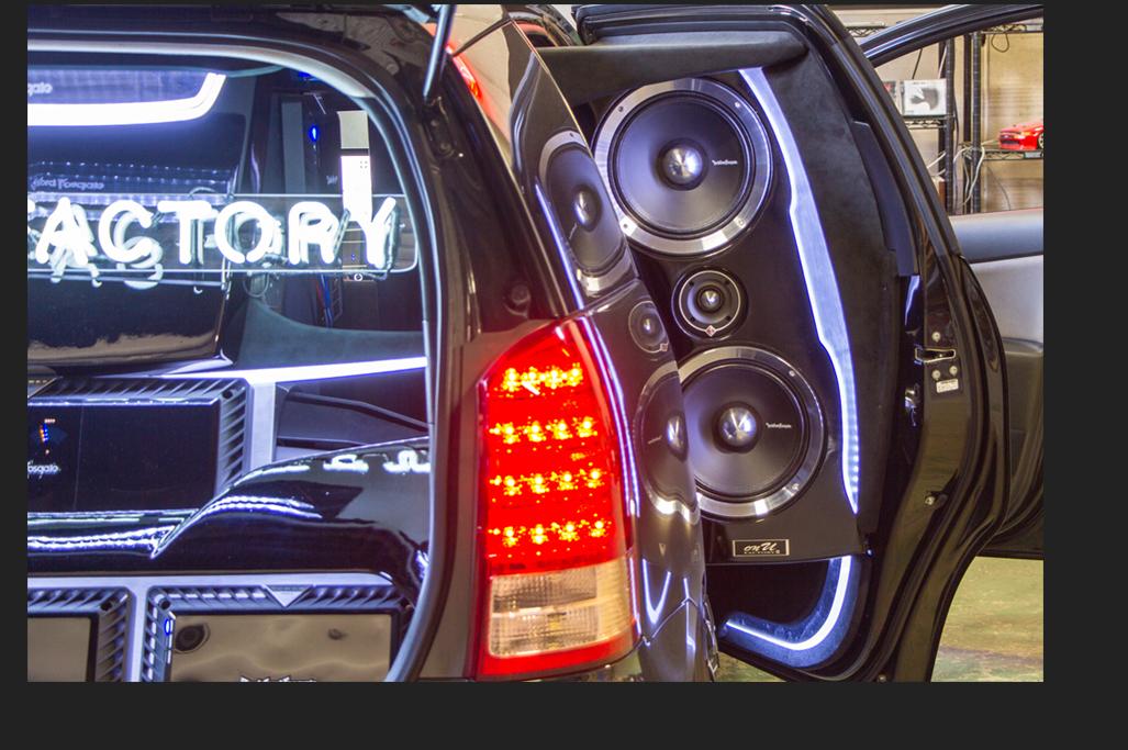 カスタム カー オーディオ オンユーファクトリー トヨタWISH リアドアスピーカー:Rockford Fosgate ロックフォード PPT-4 PPS8-10dual