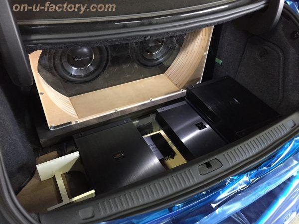 オンユーファクトリー on U factory ウーファー トランクオーディオ アンプラック オーディオカスタム キャデラック CTSクーペ ロックフォード パイオニア カロッツェリア HELIX